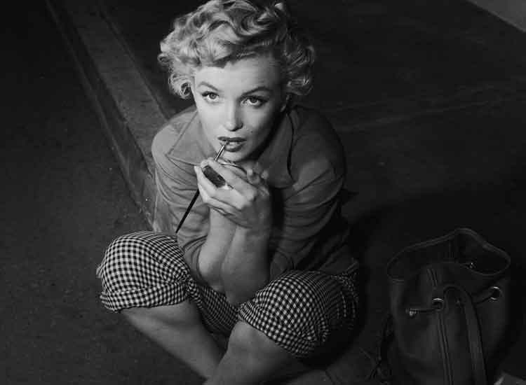 Marilyn Monroe - The Power Of Being Fashionably Beautiful (3)