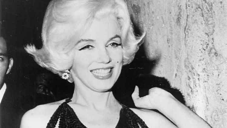 Marilyn Monroe - The Power Of Being Fashionably Beautiful (4)
