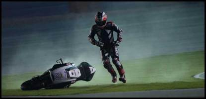 Broc-parkes-MotoGP-running-after-his-bike-2014