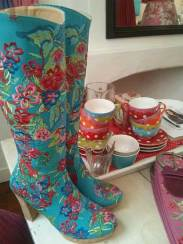 Cloth-Boots-Lien-en-giel