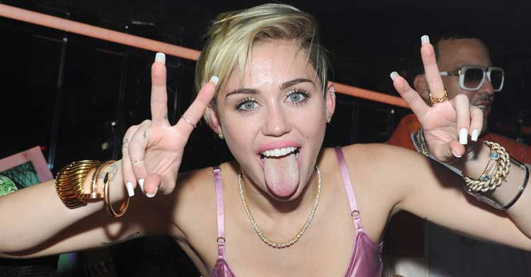 Miley-Cyrus-peace