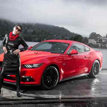 Ford Mustang GT V8 Gracie Opulanza fendi, leather dress 2015 (11)