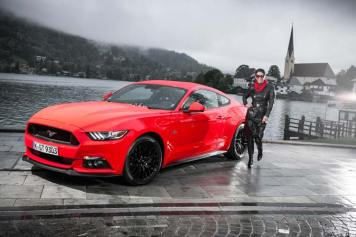 Ford Mustang GT V8 Gracie Opulanza fendi, leather dress 2015 (6)