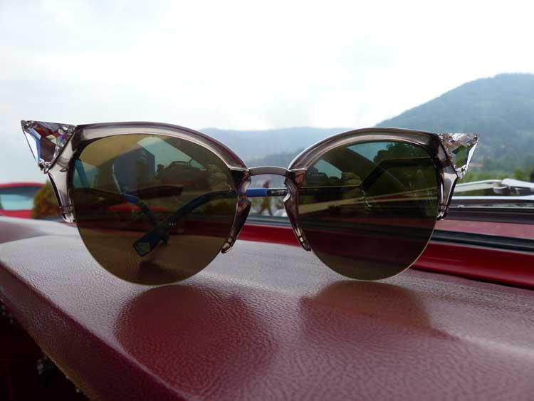 Sunglasses – Etiquette At An Outdoor Wedding