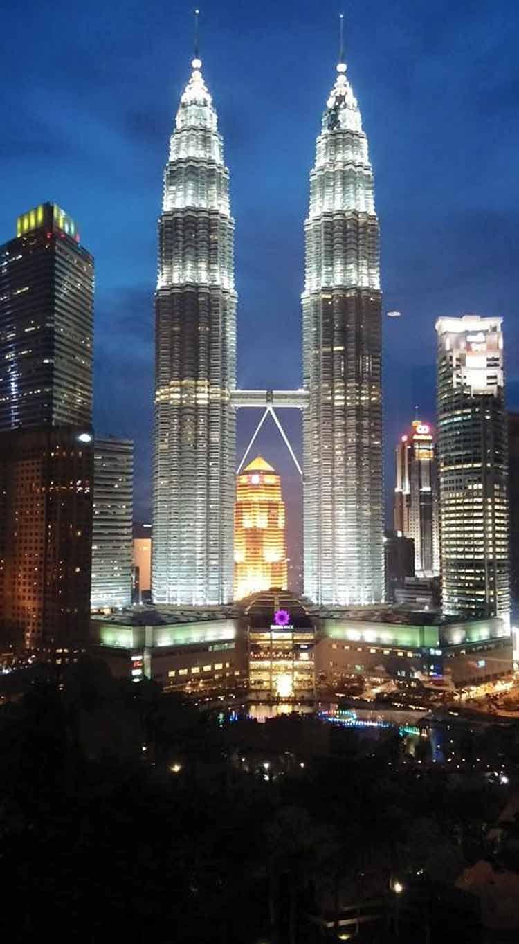 Petronas-Twin-Towers-Kuala-Lumpur-1