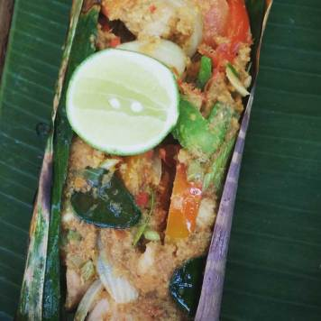 coconut-fish-in-palm-leave-bali