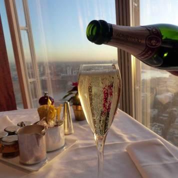TING-Restaurant-The-Shard-London---Breakfast-Champagne