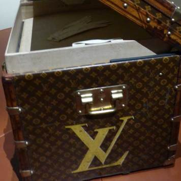 Louis-Vuitton-Grand-Palais-MenStyleFashion-Photography-Gracie-Opulanza-2016.jpg-Trunk-1
