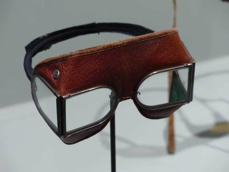 Eyewear – The History Of The Protected Glasses