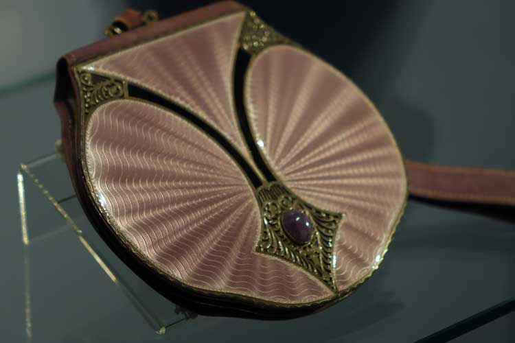 Museum of Bags and Purses in Amsterdam Gracie Opulanza (18)