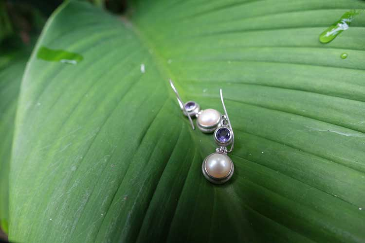 Pearl earings bali gracie opulanza