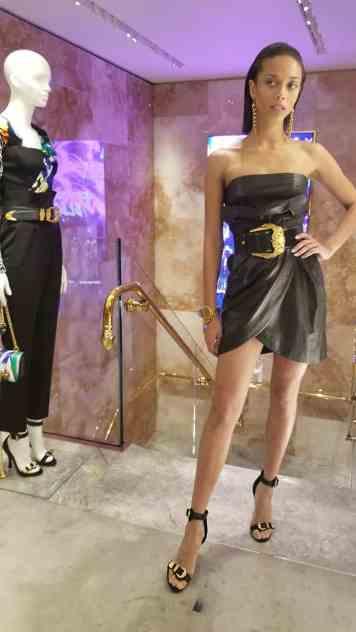 Versace 2018 Catwalk London Gracie Opulanza (5)