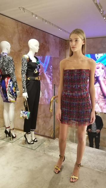 Versace 2018 Catwalk London Gracie Opulanza (7)