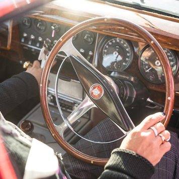 Jaguar Classic Car Track Day MenStyleFashion 2018 Gracie Opulanza (7)