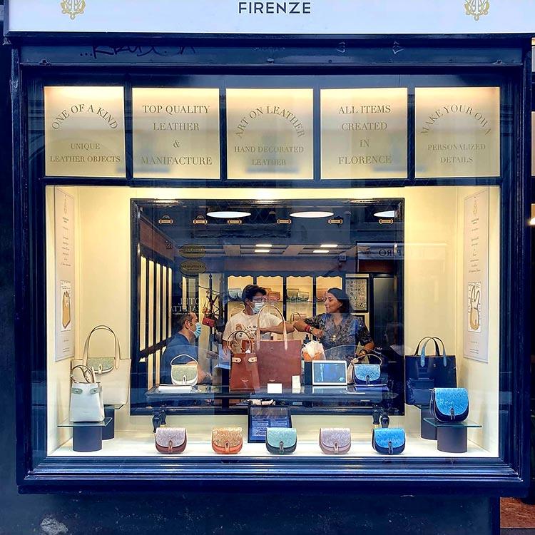 Cuoioifficine Leather Boutique Palazzo Pitti Florence Gracie Opulanza