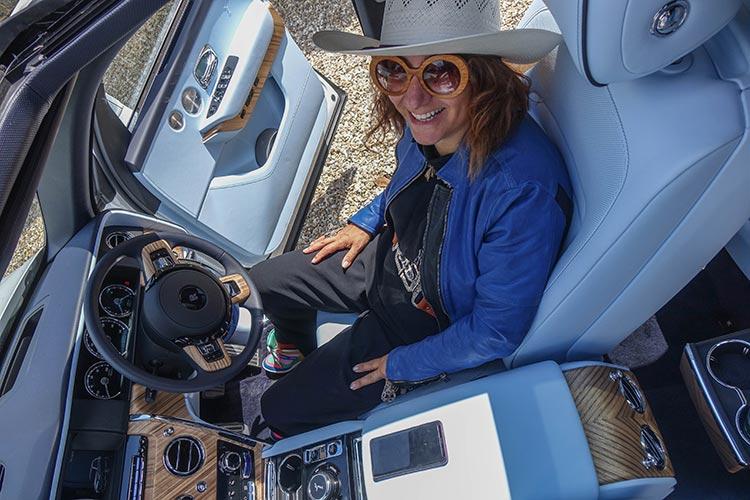 Rolls-Royce-Cullinan-SUV-MenStyleFashion-2019-Artic-White-United-Kingdom-34-Gracie-Opulanza prada eyewear