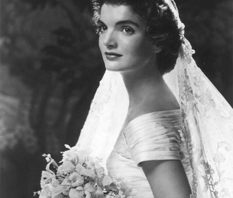 Top 5 Vintage Wedding Looks
