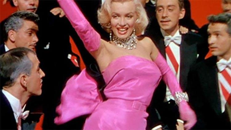 Marilyn Monroe  – Dressed By William Travilla