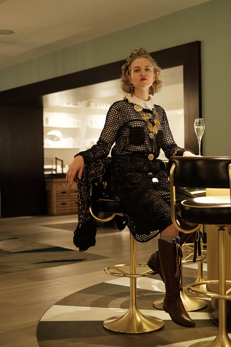 Noir chunky haute couture knitwear 2021