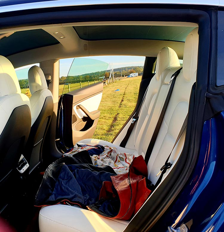 vegan seats Tesla-Model-3-MenStyleFashion-2019-Review-Electric-Cars-4