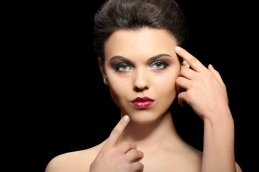 microblading eyebrow shaping