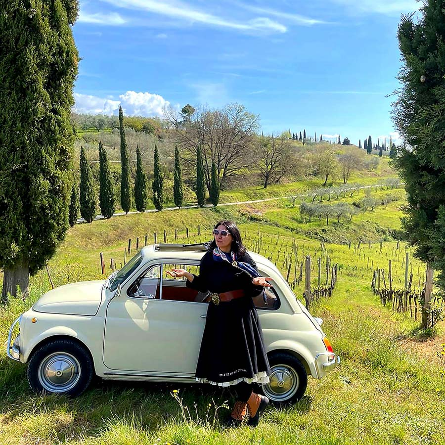 Fiat 500 Classic car Gracie Opulanza Tuscany italy beige
