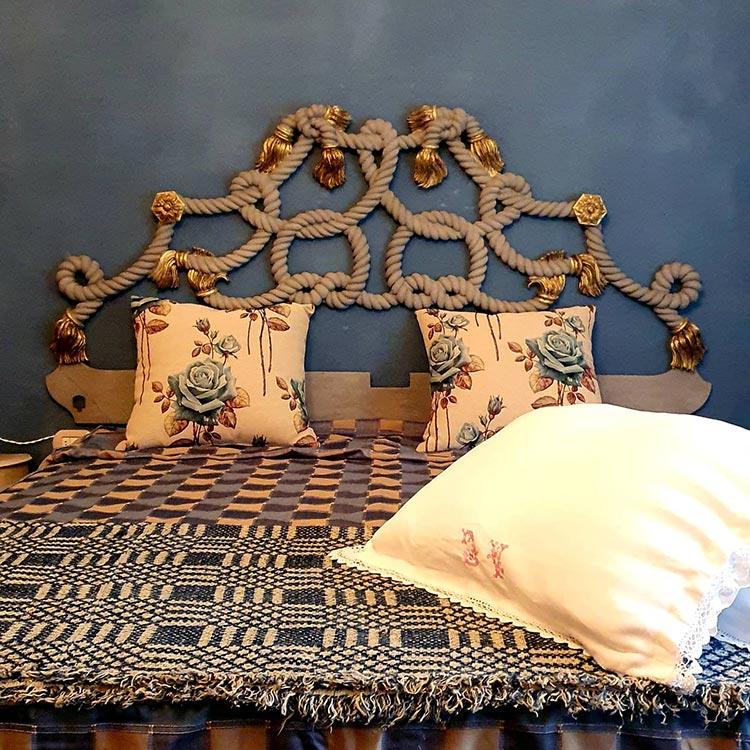 antique bedding linen italy