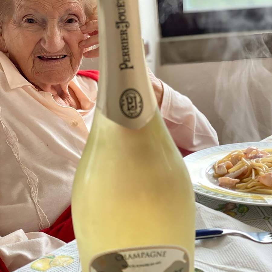 Wine & Champagne - How To Live At 94 Years Old