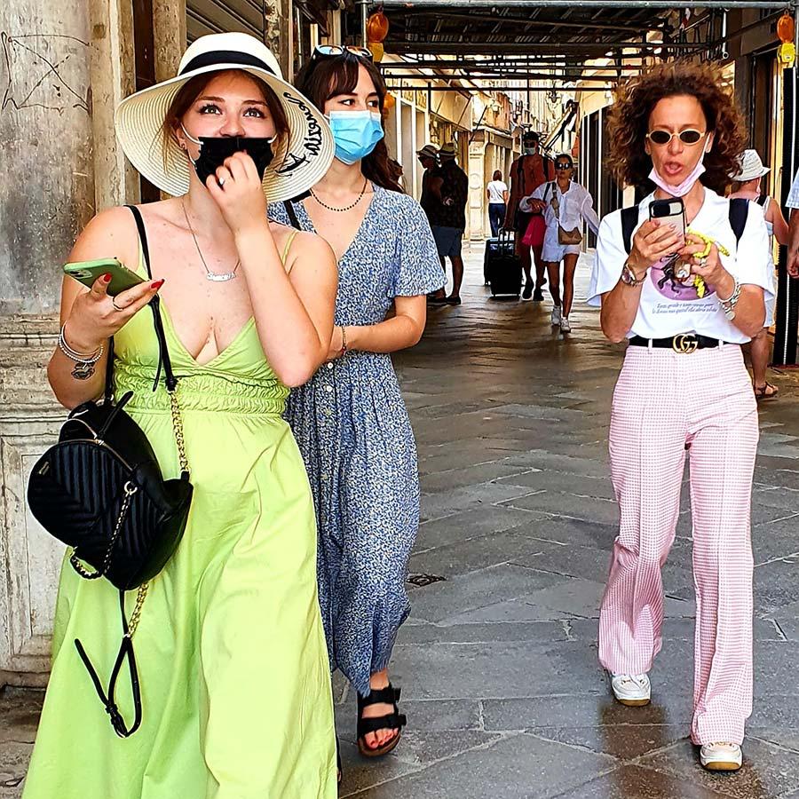Summer fashion and furniture (1)