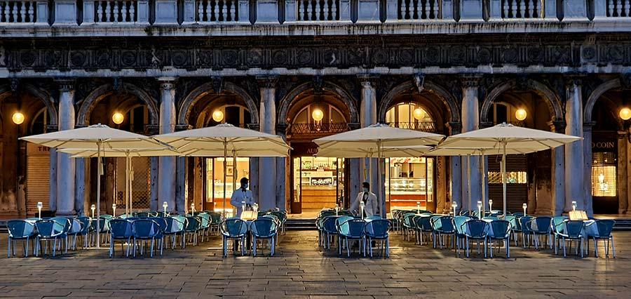 Venice By Night – Idyllic Romantic Destination