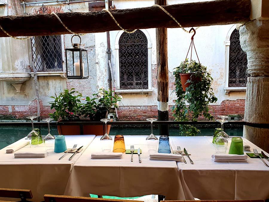 Al fresco dining Italy