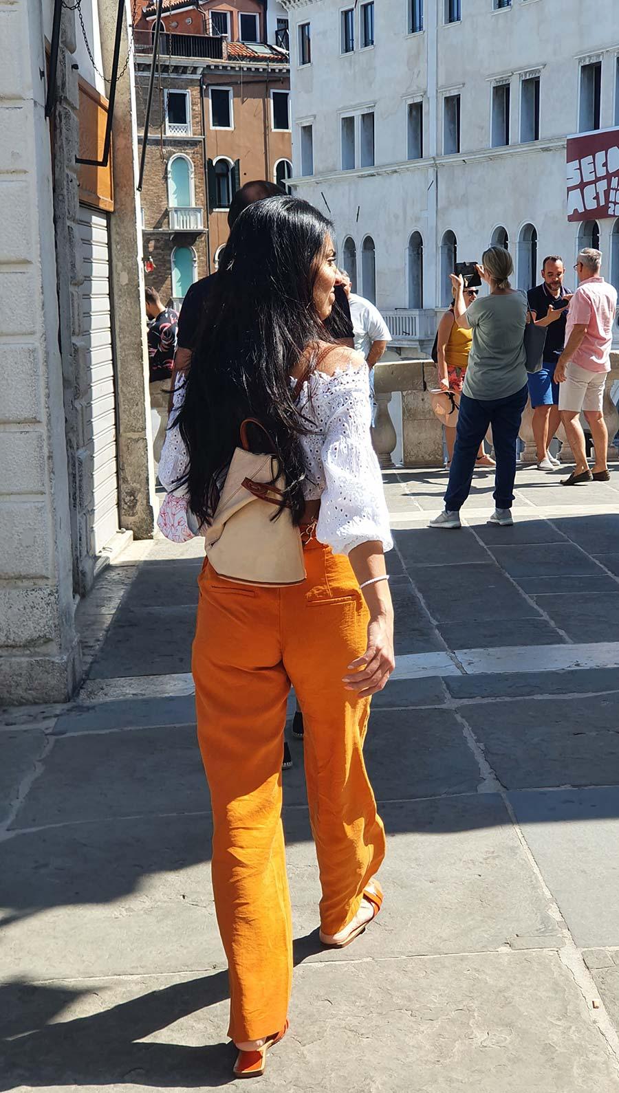 mustard trousers Venice