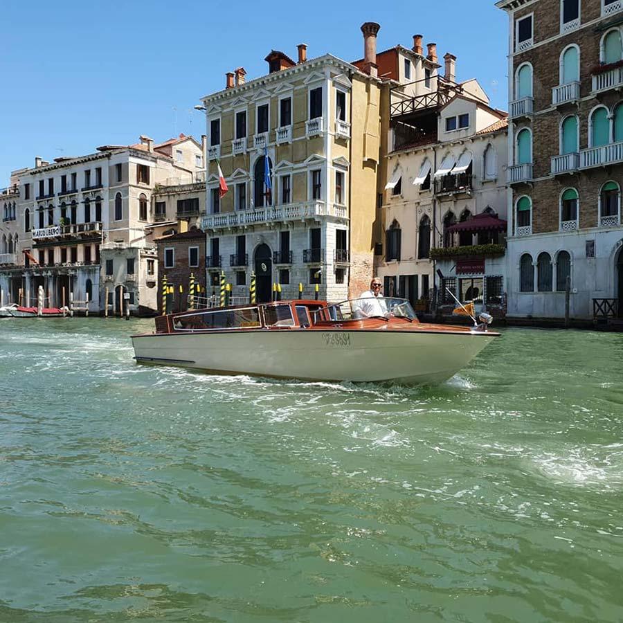 Rialto Bridge Venice Riva speedboat 2021