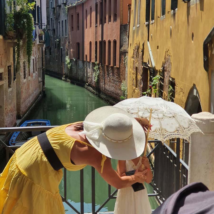 yellow dress Venice