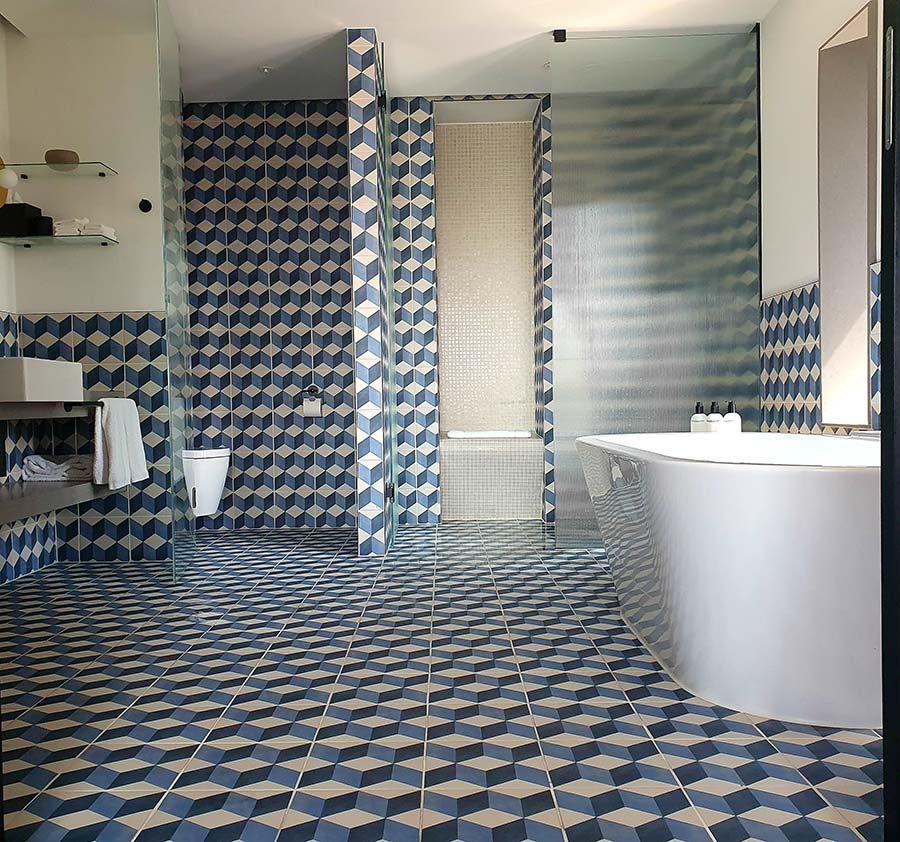 Kimpton De Vitt Penthouse bath