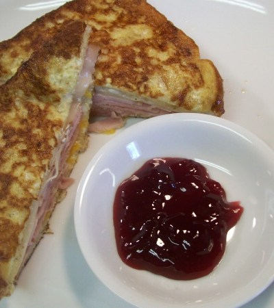 Tasty Eats: Monte Cristo Sandwich
