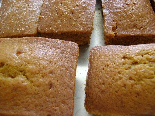 pumpkin bread 012
