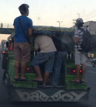 jeepney-packed2