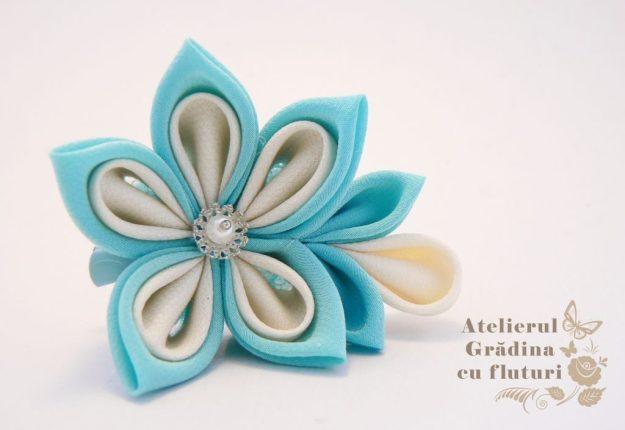 floare bleu martisor logo