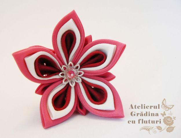 floare roz rosu alb logo
