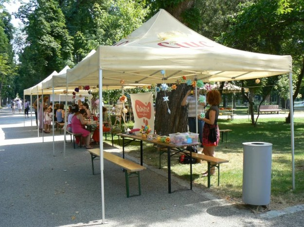 Workshop tent in the park