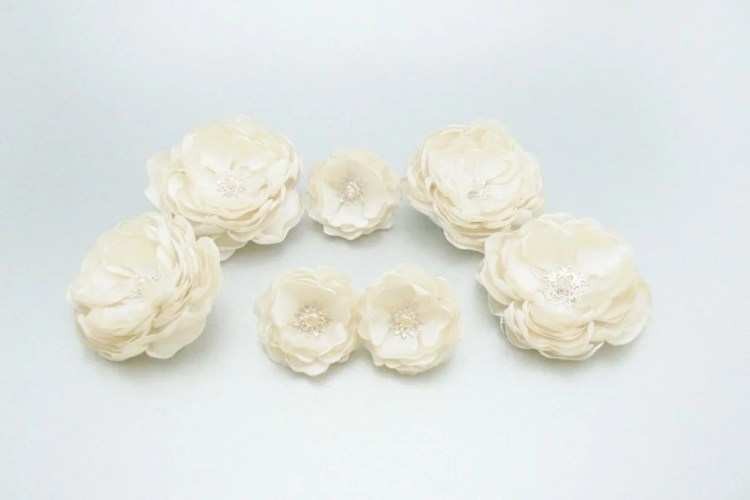 Set de flori pentru mirese - handmade satin ivory
