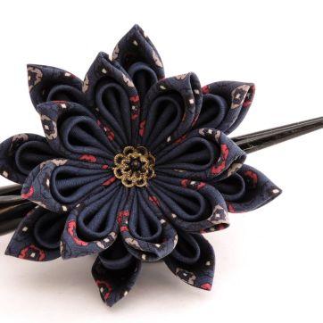 Lotus mare din matase albastra bleumarin- kanzashi handmade