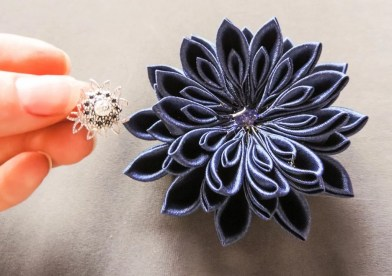 tutorial crizantema mare floare kanzashi satin 14
