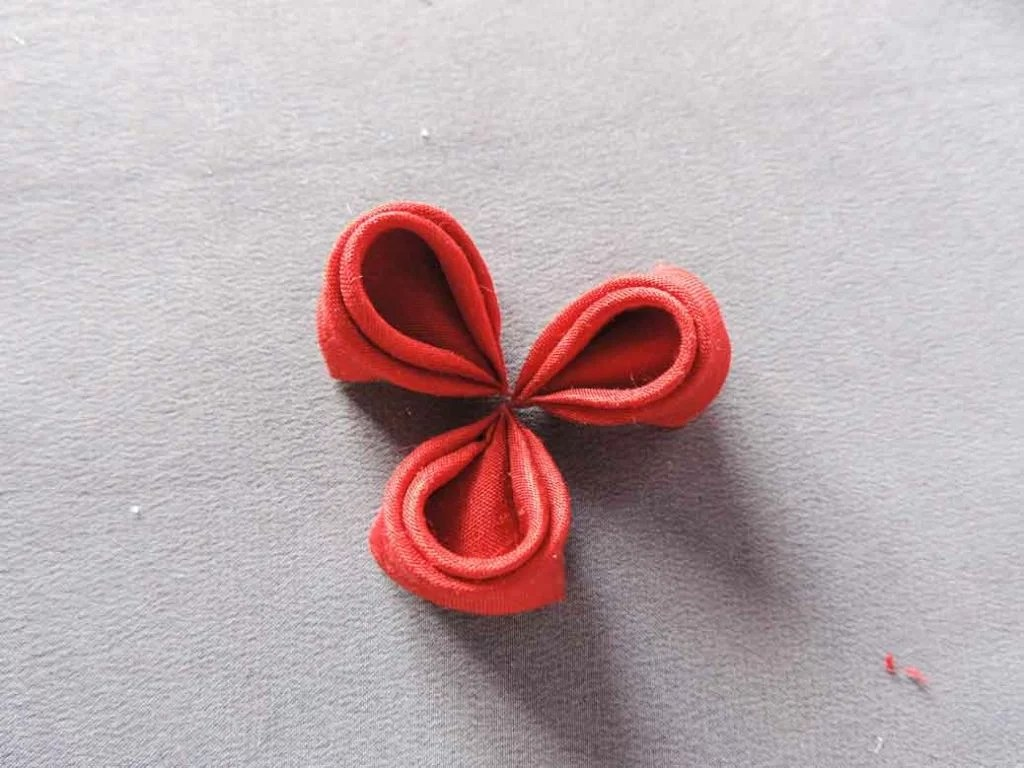Tutorial bujori - flori kanzashi - pasul-03