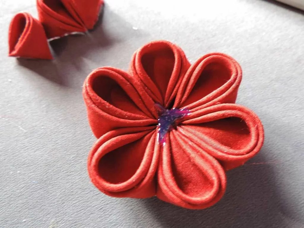 Tutorial bujori - flori kanzashi - pasul-12
