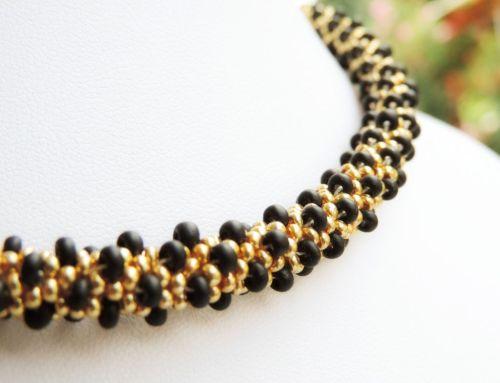 Colier margele Preciosa crosetate - auriu si negru - bead crochet