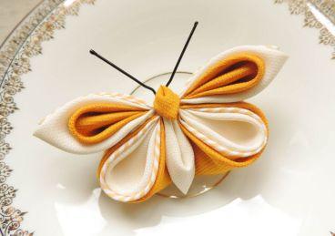 Fluture galben bumbac kanzashi brosa