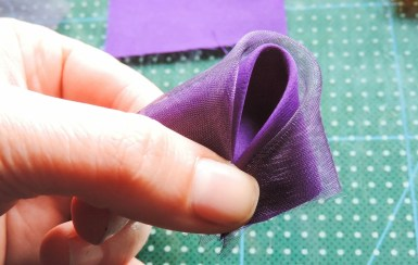 Iris flower tutorial - Making the petals 3