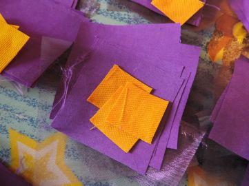 Patratele de material - Tutorial floare de iris matase organza